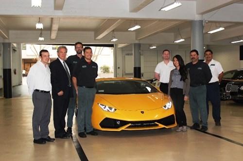 Sieu xe Lamborghini tai Viet Nam duoc trieu hoi bao duong