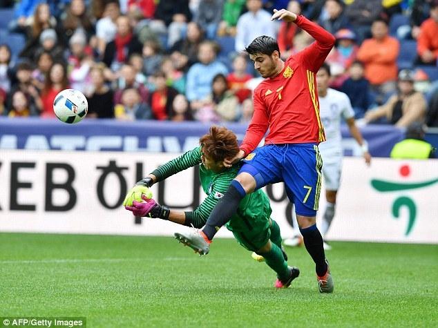 Morata tỏa sáng với cú đúp vào lưới Hàn Quốc