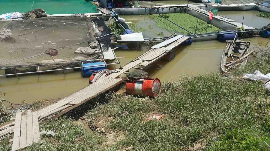 5 người chết ở rìa sông, điện giật