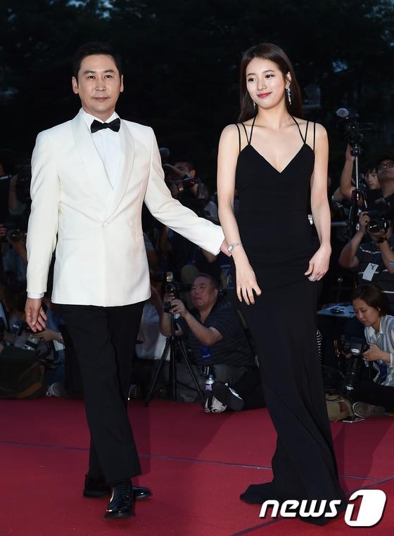 Cặp đôi Song - Song nắm tay tình tứ, Suzy khoe vòng 1 đẫy đà trên thảm đỏ Baeksang 2016 - Ảnh 9.
