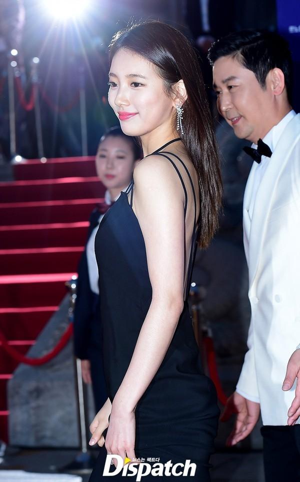 Cặp đôi Song - Song nắm tay tình tứ, Suzy khoe vòng 1 đẫy đà trên thảm đỏ Baeksang 2016 - Ảnh 13.