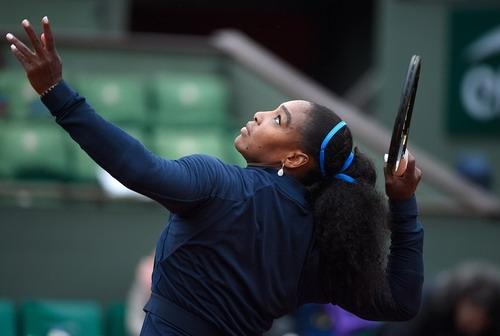 Serena trở lại mạnh mẽ dù chưa đúng phong độ