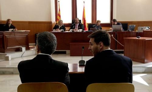 Messi hầu tòa: Vẫn đổ lỗi cho cha, có thể ngồi tù - 3