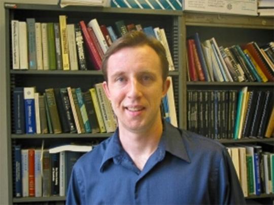 Giáo sư William Klug. Ảnh: UCLA