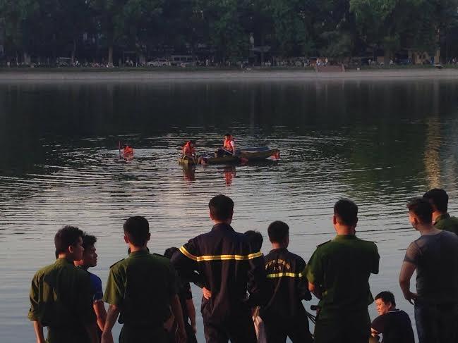 nắng nóng 40 độ, nam thanh niên, nhảy hồ, tử vong, hồ Thiền Quang, hà nội