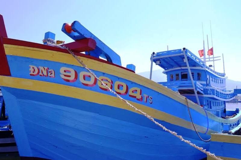 Đây là con tàu vỏ gỗ khủng nhất miền Trung