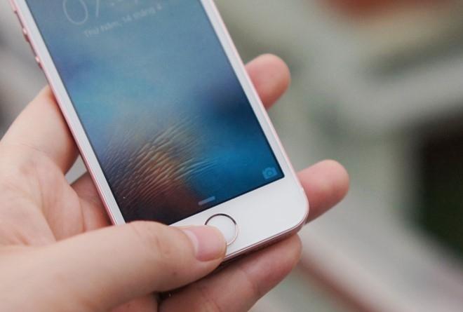 iPhone SE mat hut tren ban do smartphone Viet Nam hinh anh 2