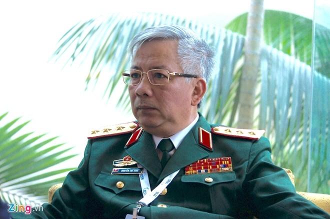 Tuong Nguyen Chi Vinh tra loi viec moi tau TQ vao Cam Ranh hinh anh 1