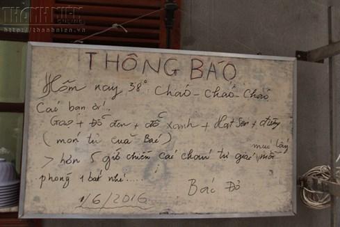 Bà chủ nhà trọ tốt bụng nhất Hà Nội: Nấu cho sinh viên ăn, thương như con - ảnh 1