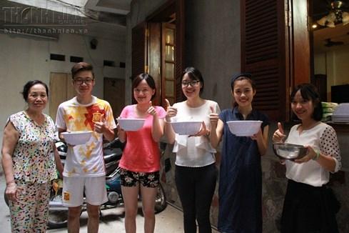 Bà chủ nhà trọ tốt bụng nhất Hà Nội: Nấu cho sinh viên ăn, thương như con - ảnh 10