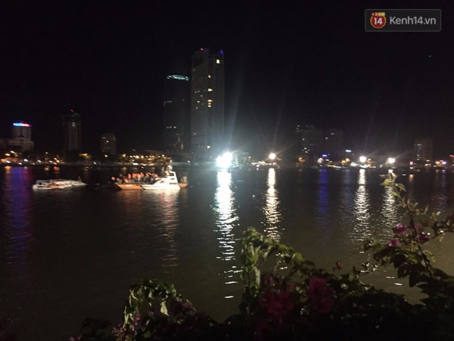 Chùm ảnh hiện trường khi chiếc tàu du lịch bắt đầu chìm trên sông Hàn - Ảnh 5.