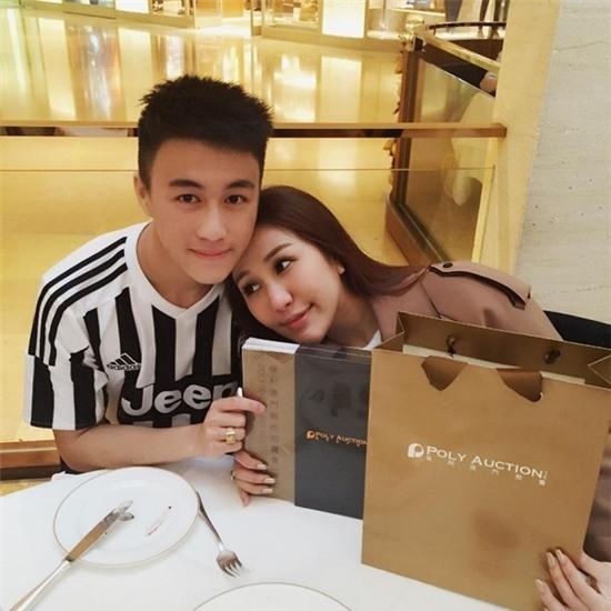 Cuộc sống vương giải của vị thiếu gia đẹp trai giàu nhất Singapore - Ảnh 2.