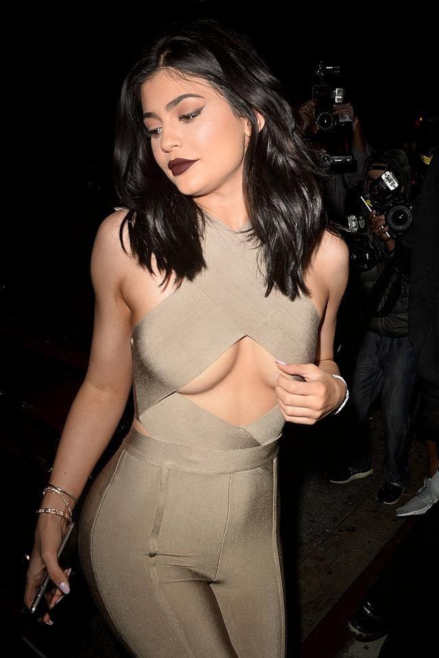 Mới đây Kylie Jenner nhận cát sê 1 triệu đô để quảng cáo cho Puma