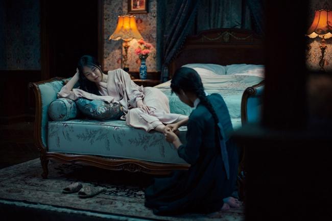 """Phim đồng tính nữ """"The Handmaiden"""" mới công chiếu đã gây bão phòng vé Hàn - Ảnh 2."""