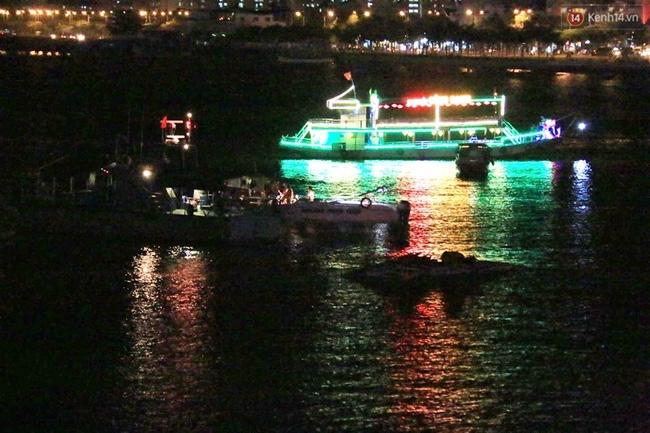 Tàu du lịch bị lật trên sông Hàn chưa được cấp giấy phép hoạt động - Ảnh 1.