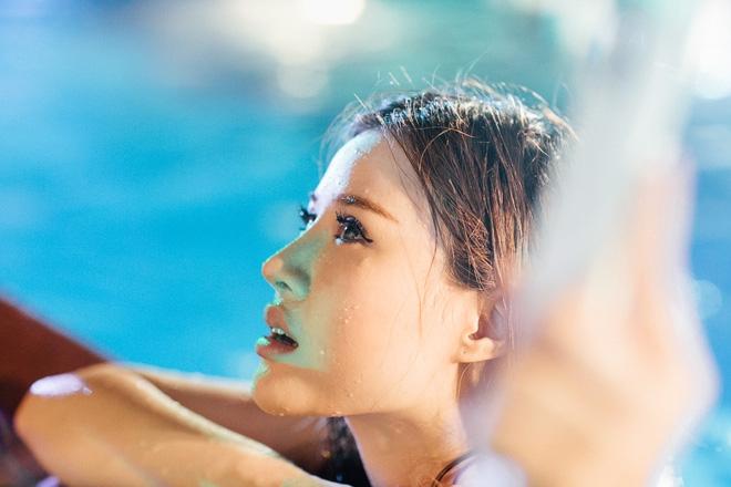 Dàn hot girl mặc bikini bốc lửa tại tiệc bể bơi - Ảnh 18.