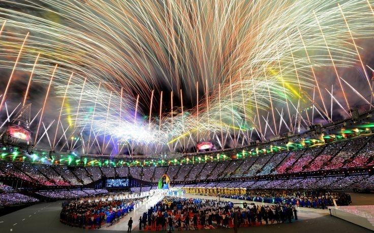 Khung cảnh hoành tráng trong lễ bế mạc Olympic London 2012. Ảnh: Getty