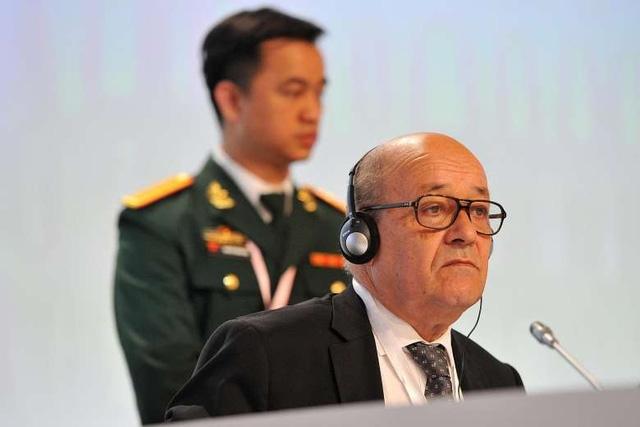 Bộ trưởng Quốc phòng Pháp Jean-Yves Le Drian (Ảnh: Straitstimes)