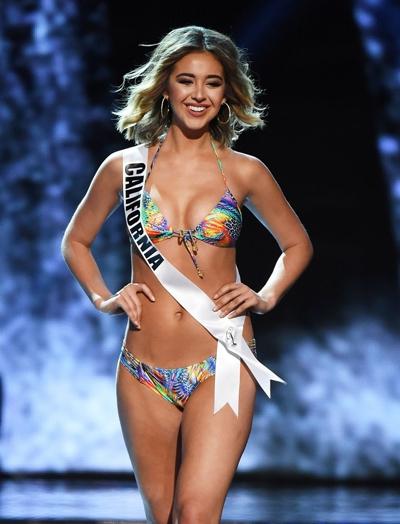 top-15-hoa-hau-my-2016-sai-buoc-voi-bikini-nong-bong-3