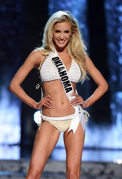 top-15-hoa-hau-my-2016-sai-buoc-voi-bikini-nong-bong-10