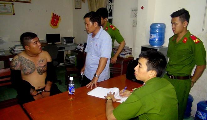 Vu no sung quyet dau o Quang Ngai: Bat them 2 nghi can hinh anh 1
