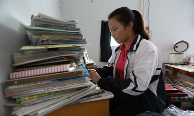 Choáng trước cảnh tượng hàng chục ngàn phụ huynh Trung Quốc tiễn con lên đường đi thi Đại học - Ảnh 16.