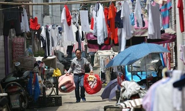 Choáng trước cảnh tượng hàng chục ngàn phụ huynh Trung Quốc tiễn con lên đường đi thi Đại học - Ảnh 17.