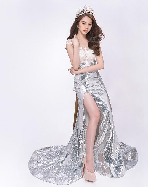 Hoa hậu Jolie Nguyễn gợi cảm với đầm ren mỏng manh - 6