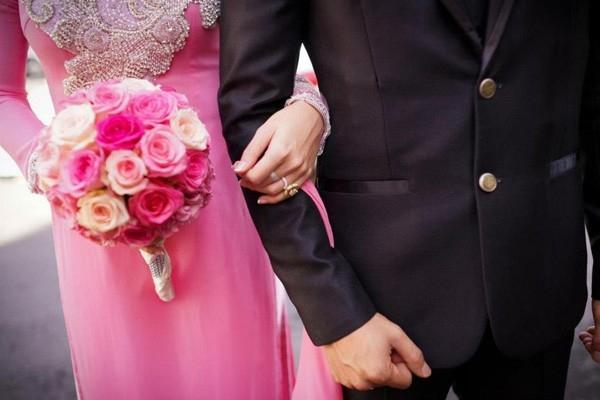 Kiêng kỵ cô dâu có bầu trước khi cưới phải đi cửa sau không có ý nghĩa về mặt tâm linh (ảnh minh họa).
