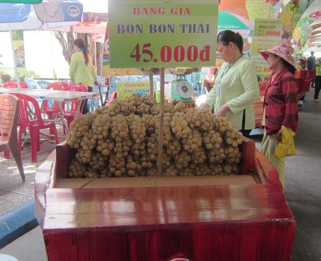 Sau rieng gia 24.000 dong 1 kg o cho noi trai cay Sai Gon hinh anh 10