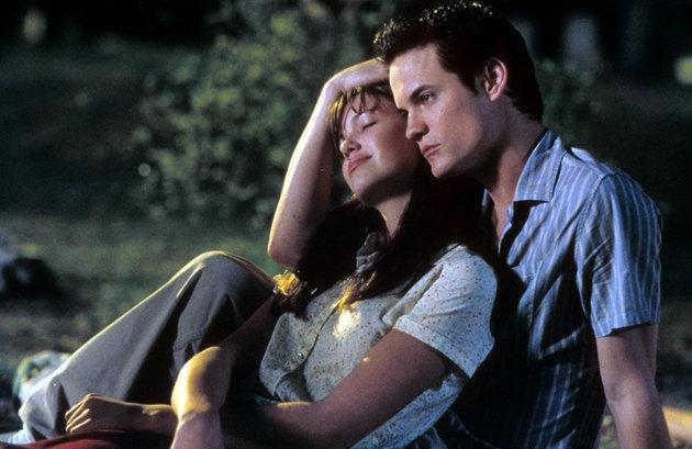 10 bộ phim lãng mạn sẽ khiến bạn khóc nhiều hơn cả Me Before You - Ảnh 2.