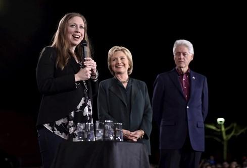 Cô gái âm thầm giúp bà Hillary Clinton tiến tới ghế tổng thống Mỹ - ảnh 6