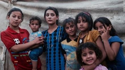 Trẻ em tại trại tị nạn Ahal, khu vực Abu Ghraib, ngoại ô Baghdad.