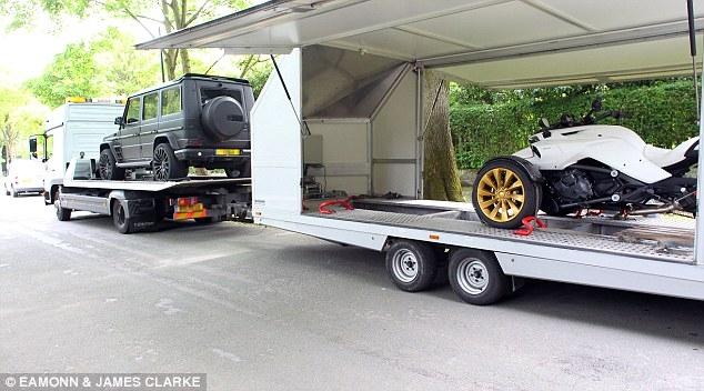 Mang Rolls Royce, Mercedes về Hà Lan, Depay bị nghi là sắp rời Man Utd - Ảnh 1.