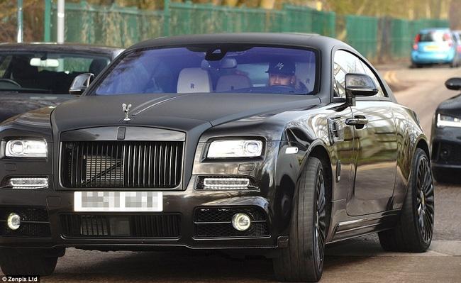 Mang Rolls Royce, Mercedes về Hà Lan, Depay bị nghi là sắp rời Man Utd - Ảnh 2.