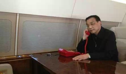 Bí ẩn về hai chiếc điện thoại màu đỏ của ông Tập Cận Bình - Ảnh 3.