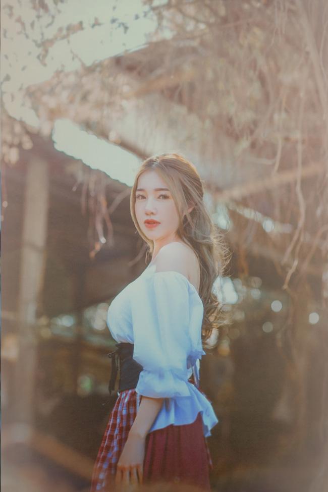 Chán gợi cảm, Elly Trần hóa thân thành nàng Lọ Lem mong manh - Ảnh 1.