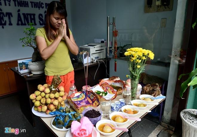 Nguoi Sai Gon mua la cay, thuc an diet sau bo hinh anh 18