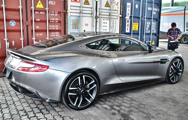 Them sieu xe Aston Martin Vanquish ve Viet Nam hinh anh 2