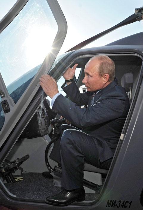 tổng thống, tổng thống Nga, tổng thống Nga Putin, tổng thống Putin, chuyện di chuyển, bí mật, tiết lộ bí mật, hé lộ bí mật, tháp tùng, chuyên cơ