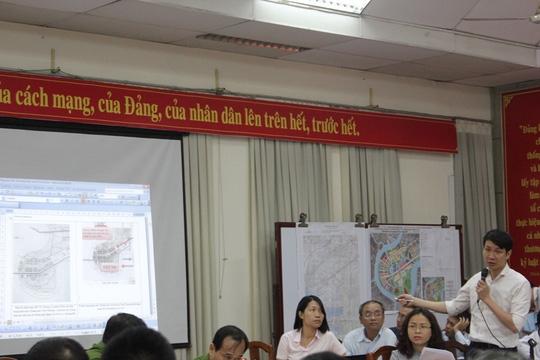 Phó Giám đốc Sở Quy hoạch Kiến trúc TP Trương Trung Kiên trả lời người dân