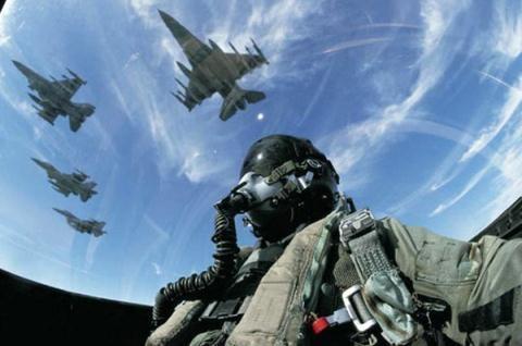F-16 them vu khi thong minh van kho vao Viet Nam