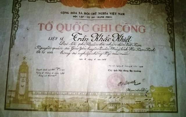 Bằng Tổ quốc ghi công liệt sỹ Trần Khắc Khiết