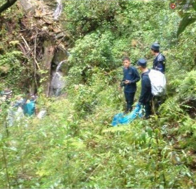 Những hình ảnh đầu tiên về vị trí phát hiện thi thể phượt thủ người Anh tử nạn ở Fansipan - Ảnh 6.