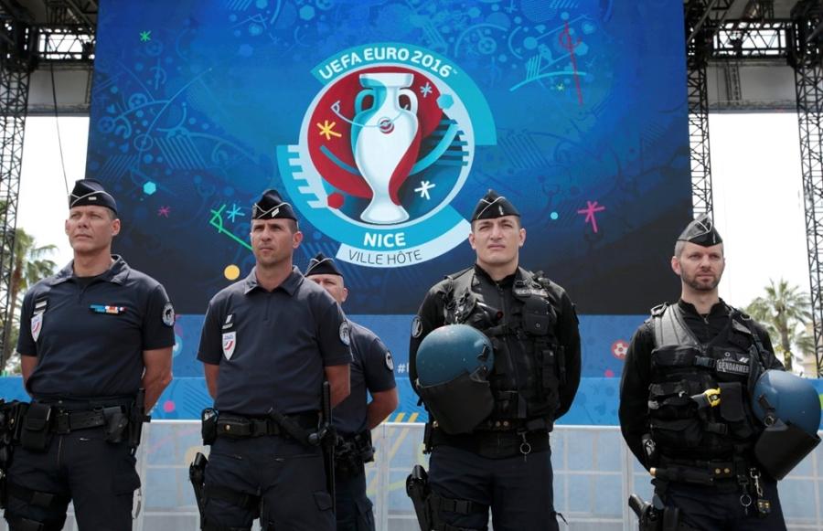 Phap rao riet chuan bi an ninh truoc tran khai mac Euro 2016 hinh anh 7