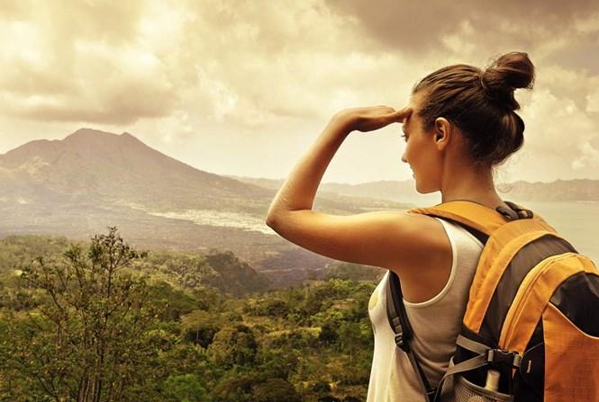 Tốt nghiệp, cô gái bán hết tài sản để... đi du lịch