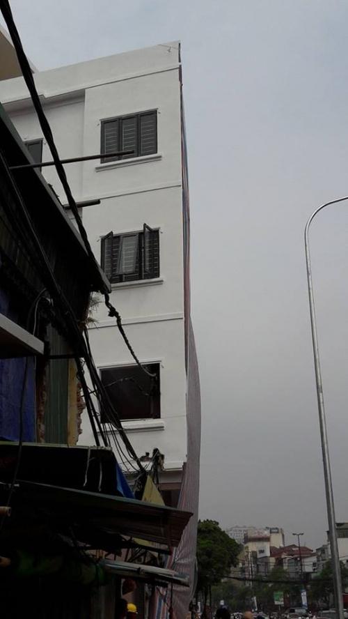 Vụ cột điện 'mọc' xuyên nhà dân: Chủ tịch phường lên tiếng - Ảnh 6