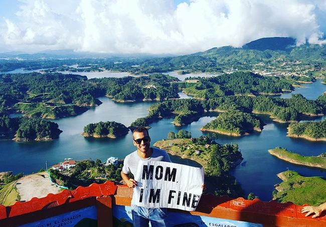 Bỏ việc để đi du lịch, anh chàng không quên gửi lời nhắn Mẹ, con ổn! ở mỗi nơi đi qua - Ảnh 3.