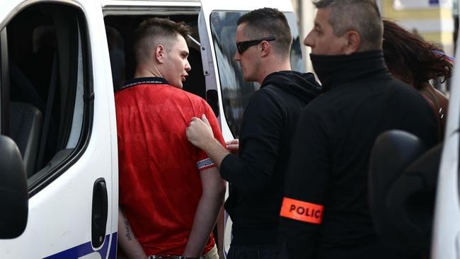 Fan Anh tiếp tục gây rối ở Marseille - Ảnh 5.