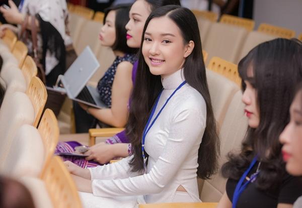 Gặp lại nữ sinh áo dài nổi tiếng nhất xứ Huế tại Hoa hậu Việt Nam 2016 - Ảnh 8.